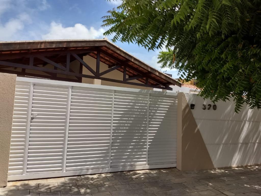 Casa com 4 dormitórios à venda, 200 m² por R$ 690.000 - Bessa - João Pessoa/PB