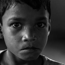 Eyes that try to decipher by Samannay Saha - Babies & Children Child Portraits ( #monochrome #child #child_portrait #eyes #eyes_talk #eye_expression )