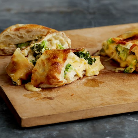 Chicken, Broccoli and Cheese Garbage Bread