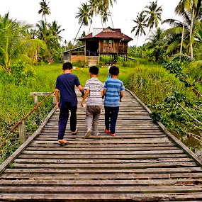 going home by Ezuwan Razali - Babies & Children Children Candids