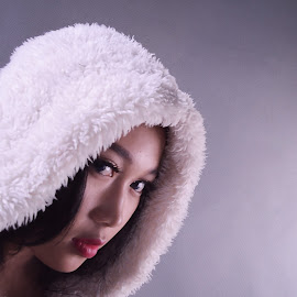 Ice Age by Cahyo Photoart - People Body Parts ( picoftheday, fashion, girl, pretty girl, bestoftheday, lovely, beauty, smile )