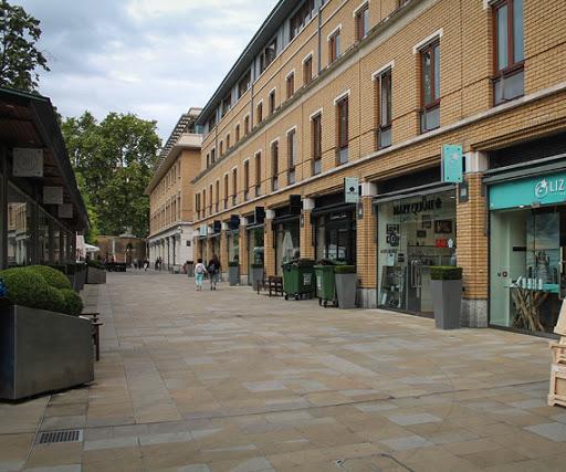 Vauxhall Shopping
