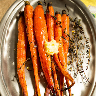 Hot Honey Thyme Roasted Carrots
