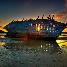 Bunbeg Wreck by Alnor Prieto - City,  Street & Park  Vistas