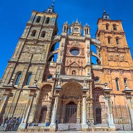 catedral de Astorga, León by Roberto Gonzalo Romero - Buildings & Architecture Places of Worship ( astorga, león, catedral )