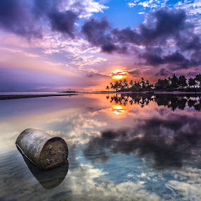 Reflection by Rahmanto Lasantu - Landscapes Waterscapes ( sky, tree, nongsa, claud, sunrise, landscape, pantai melayu, batam )