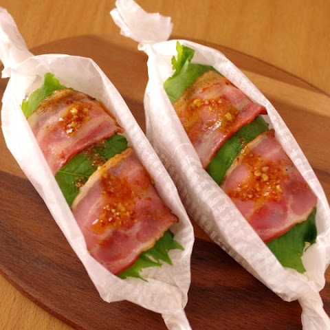 Easy refreshing Onigiri (Rice Balls) with firm bacon rolls