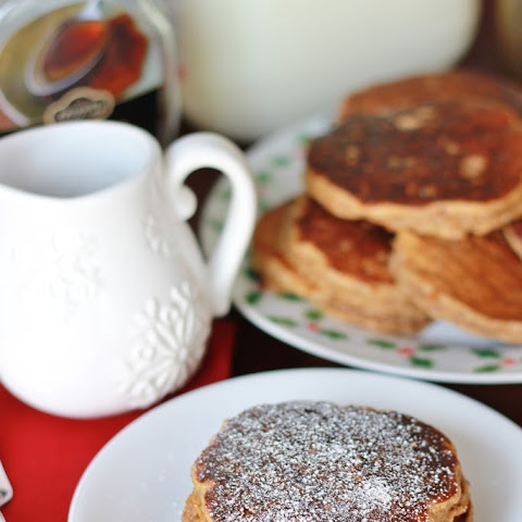 {Healthy} Gingerbread Pancakes