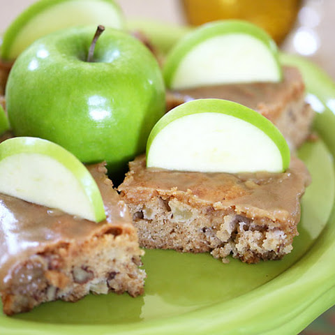 Delicious & Easy Apple Cake