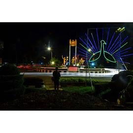eberapa indah mimpi, jika tetap hanya sekedar mimpi? ah, begadang segan, tidur tak mampu . . by Ahmad Amin Yusuf Yusuf - Instagram & Mobile Instagram ( trainlight, indonesia_photography, instagram, light, nikonphotography, nikond3100, nightlight, streetphotography, purworejonan, purworejojepret, purworejokeren, explorepurworejo, potretpurworejo, photooftheday, photographer, serikat_fi )