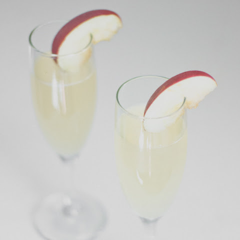 Fuji Apple Sparkling Cocktail