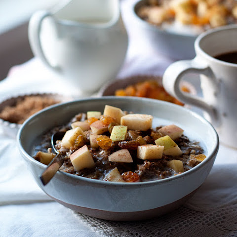 Cozy Apple Gingerbread Oatmeal