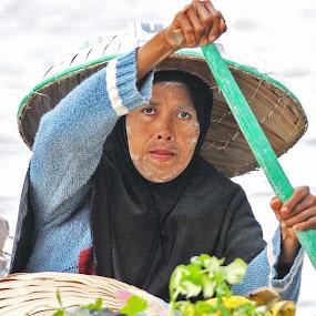 by Muhammad Yamani - People Portraits of Women ( floating market )