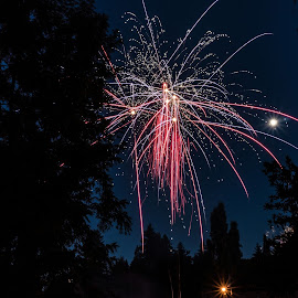Bombs bursting in air by Aja Nordgren - Public Holidays July 4th ( explosion, bomb, fireworks, long exposure )