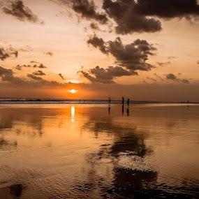 Seminyak bali by Said Rizky - Landscapes Sunsets & Sunrises ( bali, reflection, seminyak, sunset, indonesia, beach )