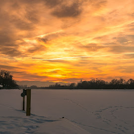 Snowy sunset by DC Photos - Novices Only Landscapes ( plovdiv, winter, sunset, snow, skyporn, rowing_channel, bulgaria )