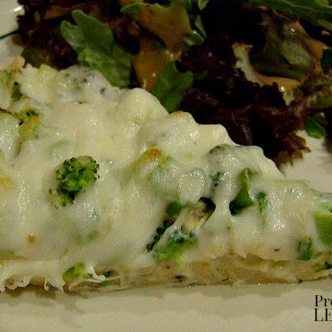 Chicken Alfredo Pizza with Broccoli