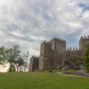 Castle of Guimarães by Rui Medeiros - Buildings & Architecture Public & Historical ( guimarães, historic, castle, old building, portugal, bulding )