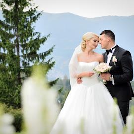 Love by Klaudia Klu - Wedding Bride & Groom ( look, mountain, wedding, white )