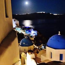 Full Moon in Óia, Santorini by Jose  Olimpio Castro Neto - Landscapes Travel