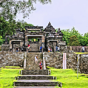 Boko Temple by Mulawardi Sutanto - Buildings & Architecture Statues & Monuments ( yogyakarta, tample, indonesia, boko, travel )