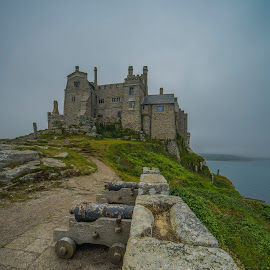 St Michael's Mount by Yordan Mihov - Buildings & Architecture Places of Worship ( uk, england, castle, cornwall, st michael's mount )