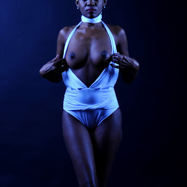 Escaping the White by DJ Cockburn - Nudes & Boudoir Artistic Nude ( black background, studio, flashing, model, topless, naledi, woman, maillot, standing )