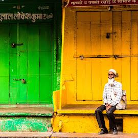 A spot of Colorful Rest by Avanish Dureha - City,  Street & Park  Neighborhoods ( dpc, rajasthan, dureha@gmail.com, incredible india, india, avanish dureha, bundi )