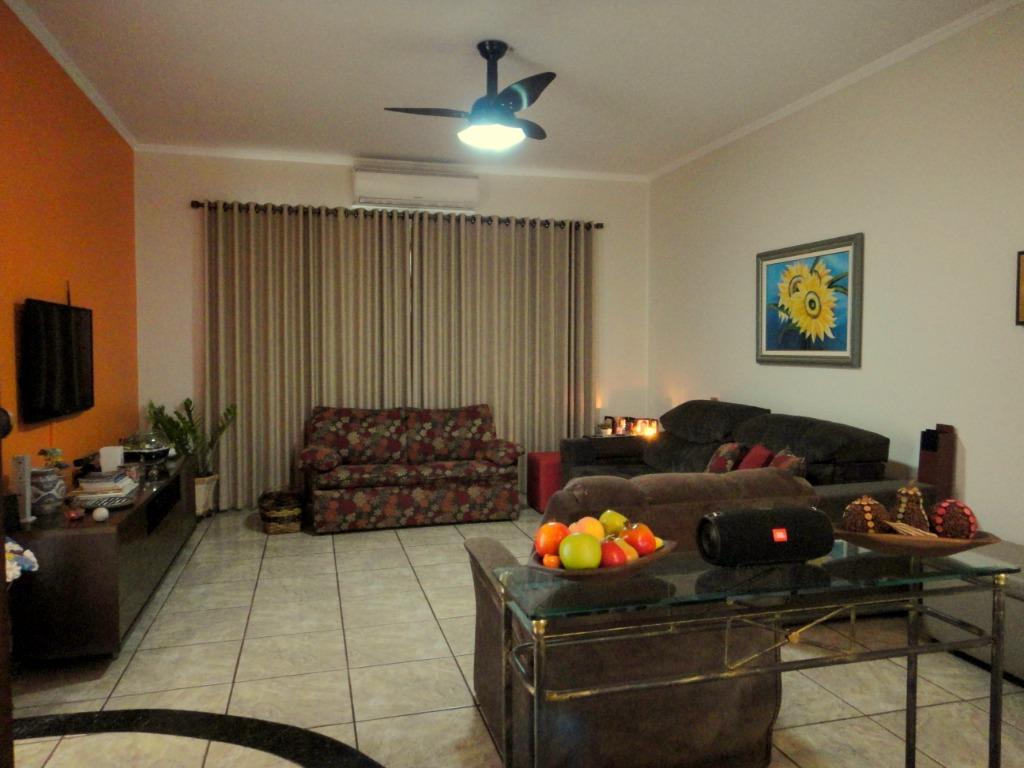 Casa para Venda 184 m²  com 3 quartos