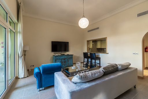 3 Bedrooms Apartment