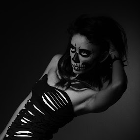 The Skeleton face(haloween) by Md Azin - People Portraits of Women