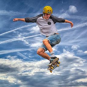 by Marco Bertamé - Sports & Fitness Skateboarding