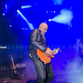 Dirk Bisschoff lead guitar Prime Circle by Barbara Springer - People Musicians & Entertainers ( music, gibson, performing, blue smoke, guitar, rock, on stage )