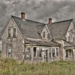 Haunted House by Evelyn Young - Landscapes Travel