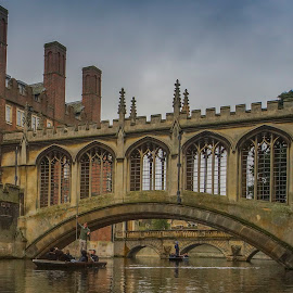 Bridge of Sighs by Yordan Mihov - Buildings & Architecture Bridges & Suspended Structures ( water, bridge of sighs, waterscape, john, architecture, st, boat, cambridge, river )