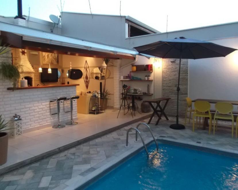 Belíssima casa com 4 dormitórios à venda, 320 m² por R$ 1.045.000 - Mansões Santo Antônio - Campinas/SP!