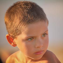meninos da praia by António Leão de Sousa - Babies & Children Child Portraits