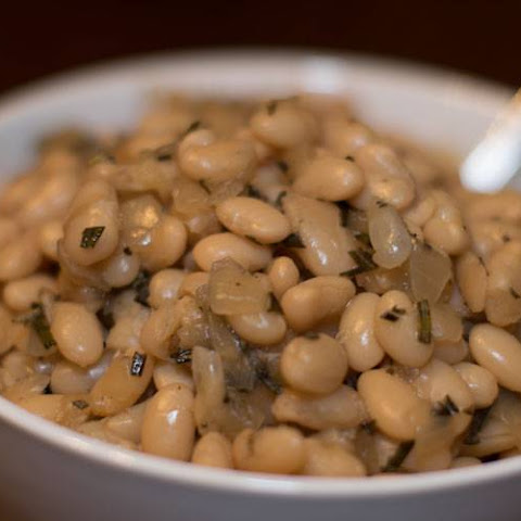 Great Northern Beans with Rosemary and Roasted Garlic