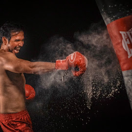 Practice by Indrawan Ekomurtomo - Sports & Fitness Boxing