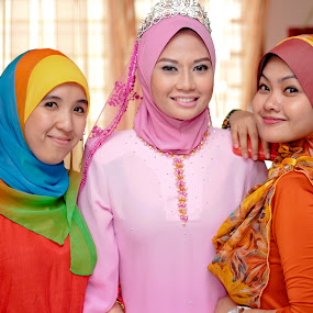 Lovely Three by RiNeo aFnIzAn - People Group/Corporate
