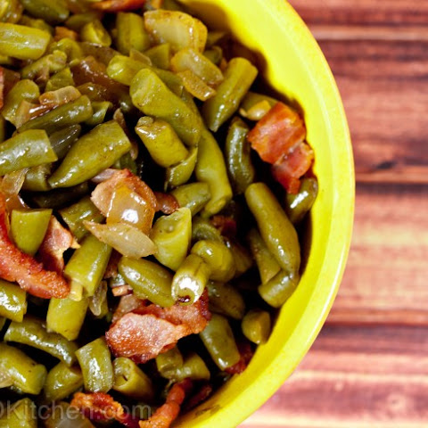 Slow Cooker Country-Style Green Beans With Bacon, Onions And Balsamic Vinegar
