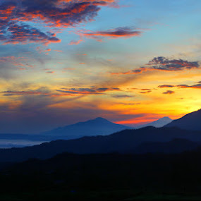 Shiluete of Subang's Mountains by Budiana Yusuf - Landscapes Travel ( indonesia, west java, landscape, subang )