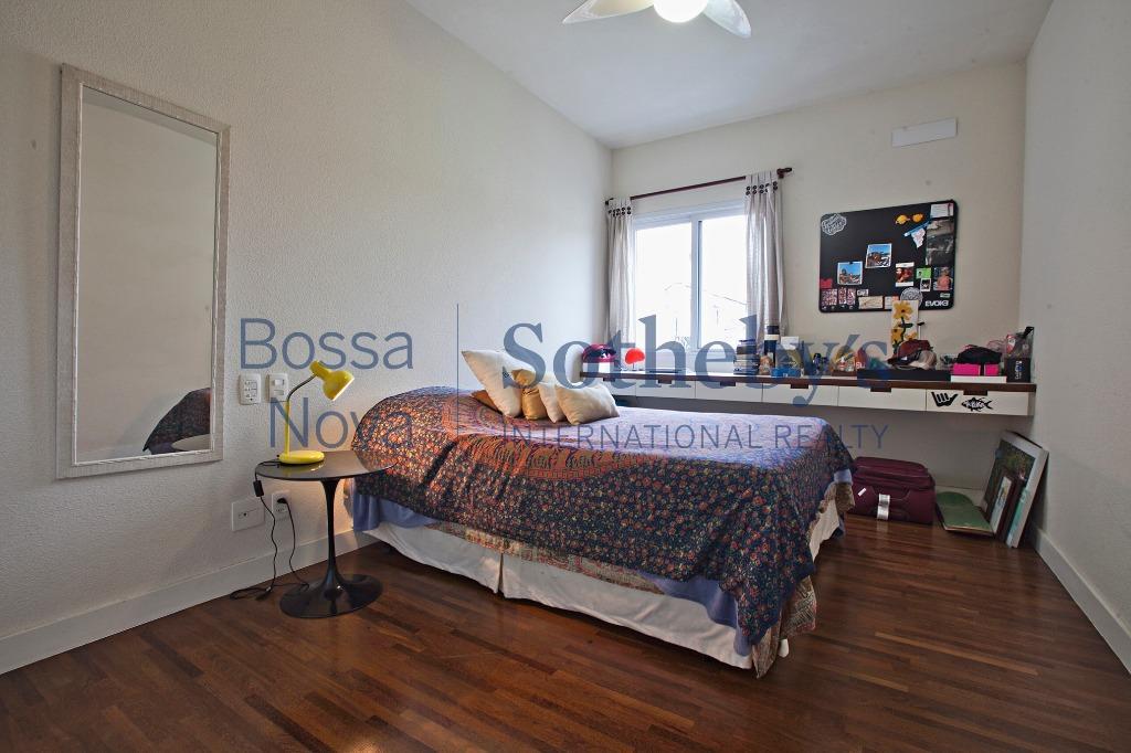 Apartamento reformado, moderno e aconchegante.