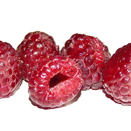 RASPBERRIES by Wojtylak Maria - Food & Drink Fruits & Vegetables ( sweet, red, food, fruits, healty, raspberries )