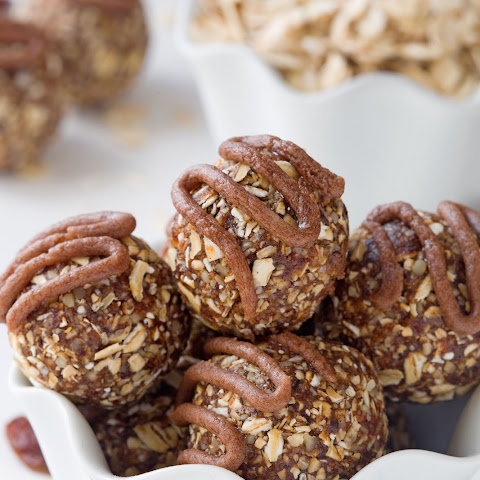 Cinnamon Raisin Oatmeal Cookie Balls (gluten-free, vegan, dairy-free, whole grain)