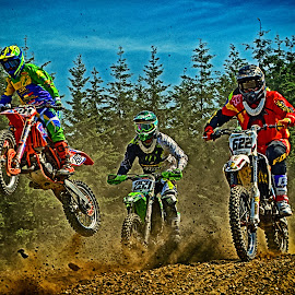 Trio Infernal ! by Marco Bertamé - Sports & Fitness Motorsports ( speed, fight, green, number, yellow, 191, race, noise, jump, red, motocross, 622, blue, dust, clumps, trio, 259, hard, competition,  )