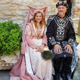 coupé in costume by Patrizia Emiliani - People Couples ( couple, costume,  )