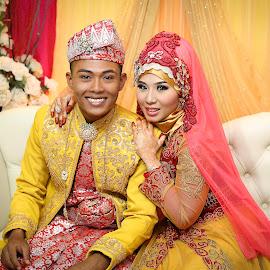 Nisa & Aidil by Sifer SifersDefinition - Wedding Bride & Groom ( wedding photography, wedding day, wedding, wedding dress, wedding details )