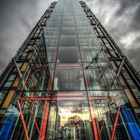 Neo, Richard Rogers design by Matt Cooper - Buildings & Architecture Architectural Detail ( uk, building, london, glass, pwcdetails, cloud, design, city )