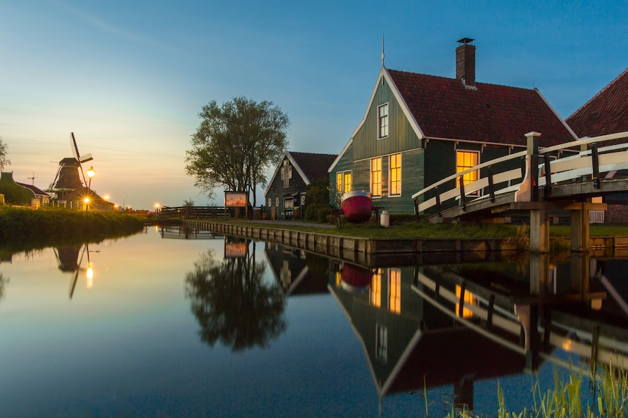 Sunset in Zaanse Schans by TC Gökhan Uysal - Buildings & Architecture Bridges & Suspended Structures ( leading lines, reflection, night, sunset, zaanse schans,  )